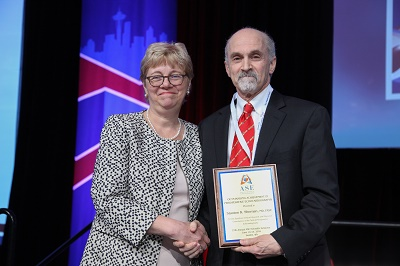 Stanton Shernan, MD, FASE receiving the 2016 Outstanding Achievement in Perioperative Echocardiography Award from ASE President, Susan Wiegers, MD, FASE